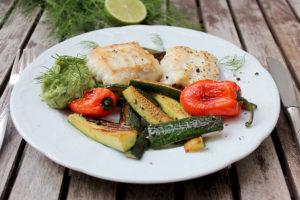 Fisch_Avocado_Dilldip_Zucchini